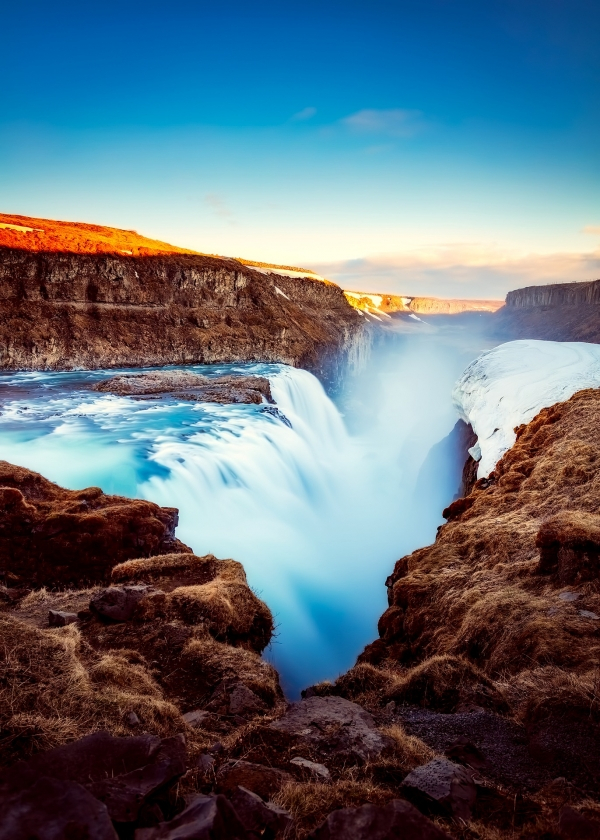 iceland-tourism-waterfall-river