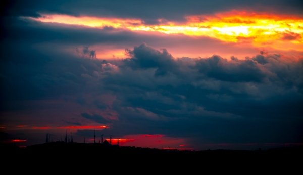 afterglow-background-backlit-clouds